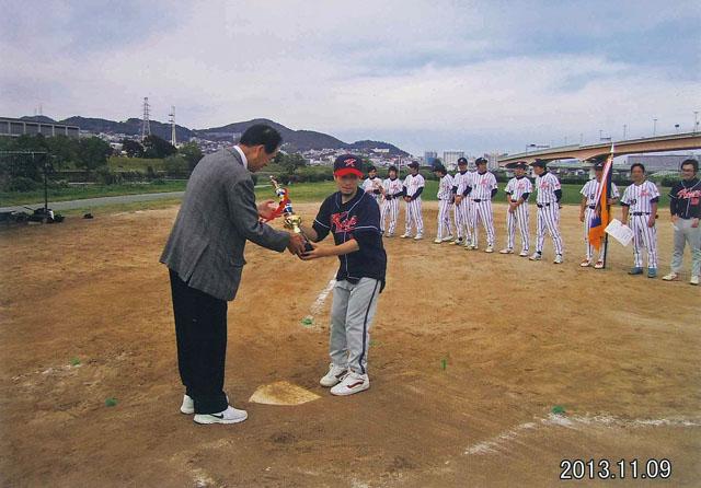 2013.11.09 Softball-05