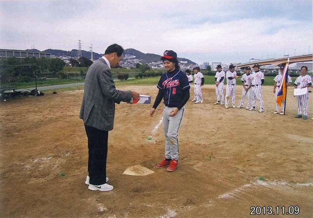2013.11.09 Softball-06